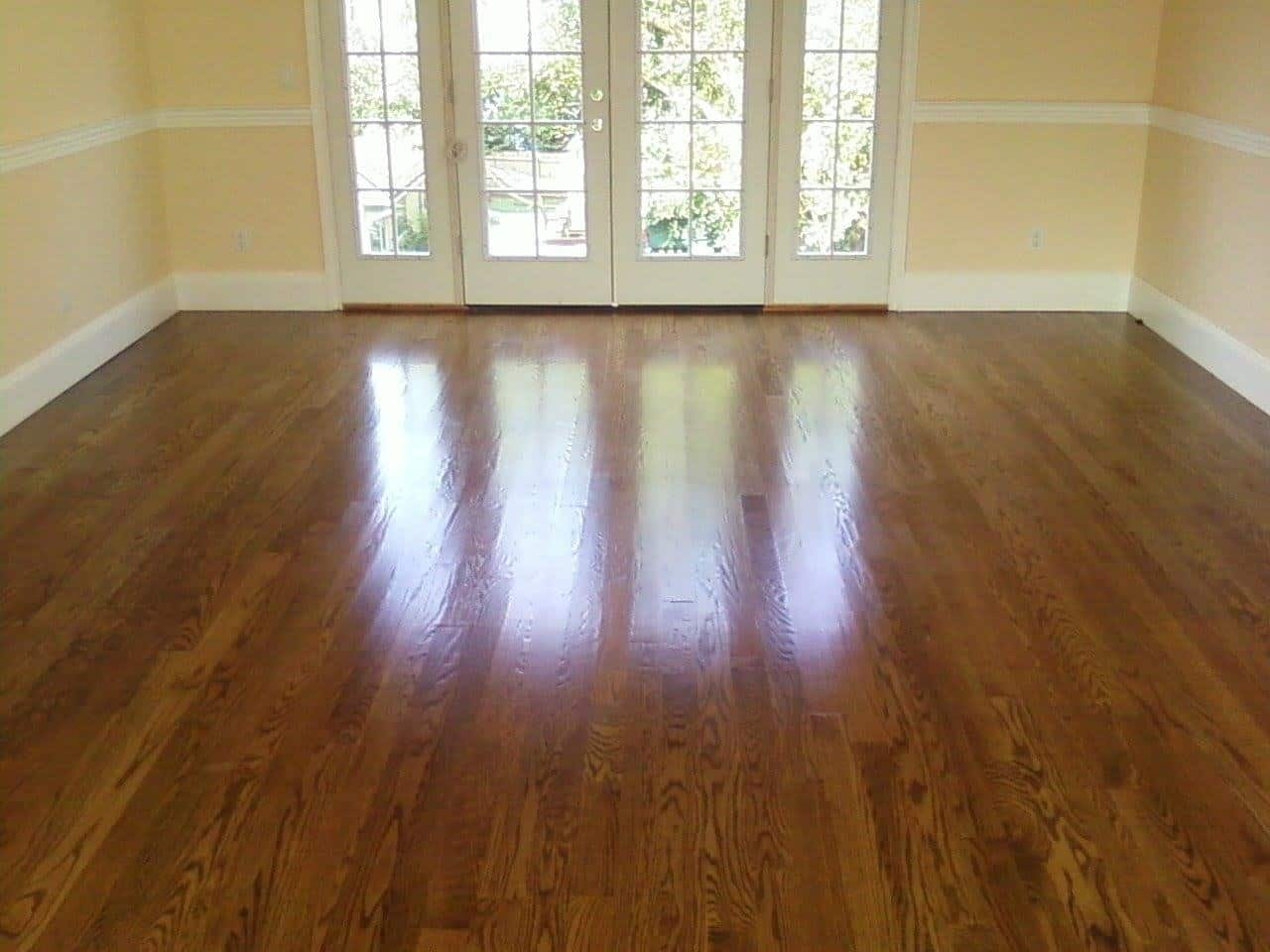 Long island hardwood floor refinishing repair for Staining hardwood floors
